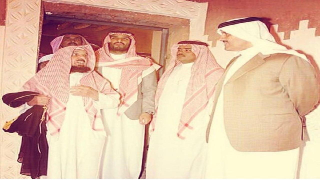 صوره نادرة لسمو ولي العهد مع أخيه الأمير سلطان بن سلمان