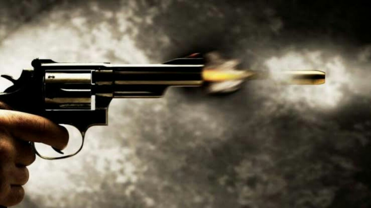 مقتل سيدة على يد شقيقها الضابط جراء خلاف عائلي