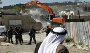 الاحتلال يجبر الفلسطينيين على هدم منازلهم بأيديهم