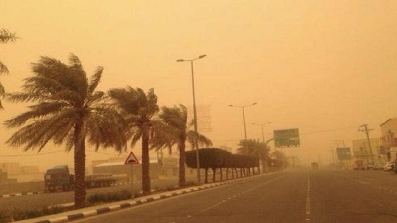 الأرصاد تحذر من استمرار الرياح وتدني الرؤية في مكة