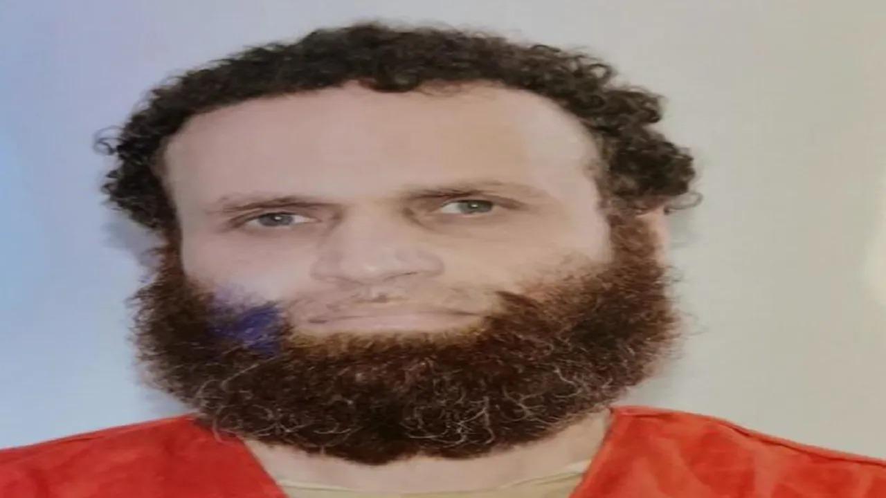 شاهد.. لحظات حقيقية لإعدام الإرهابي الهالك هشام عشماوي