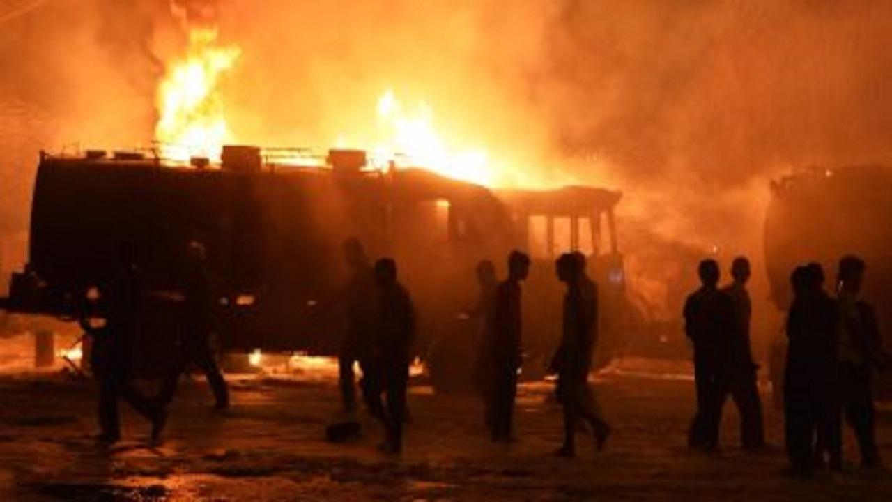 حادث مروع لشاحنة مواد بترولية في جدة