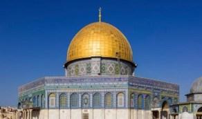 إعادة فتح جميع أبواب المسجد الأقصى دون تحديد أعداد