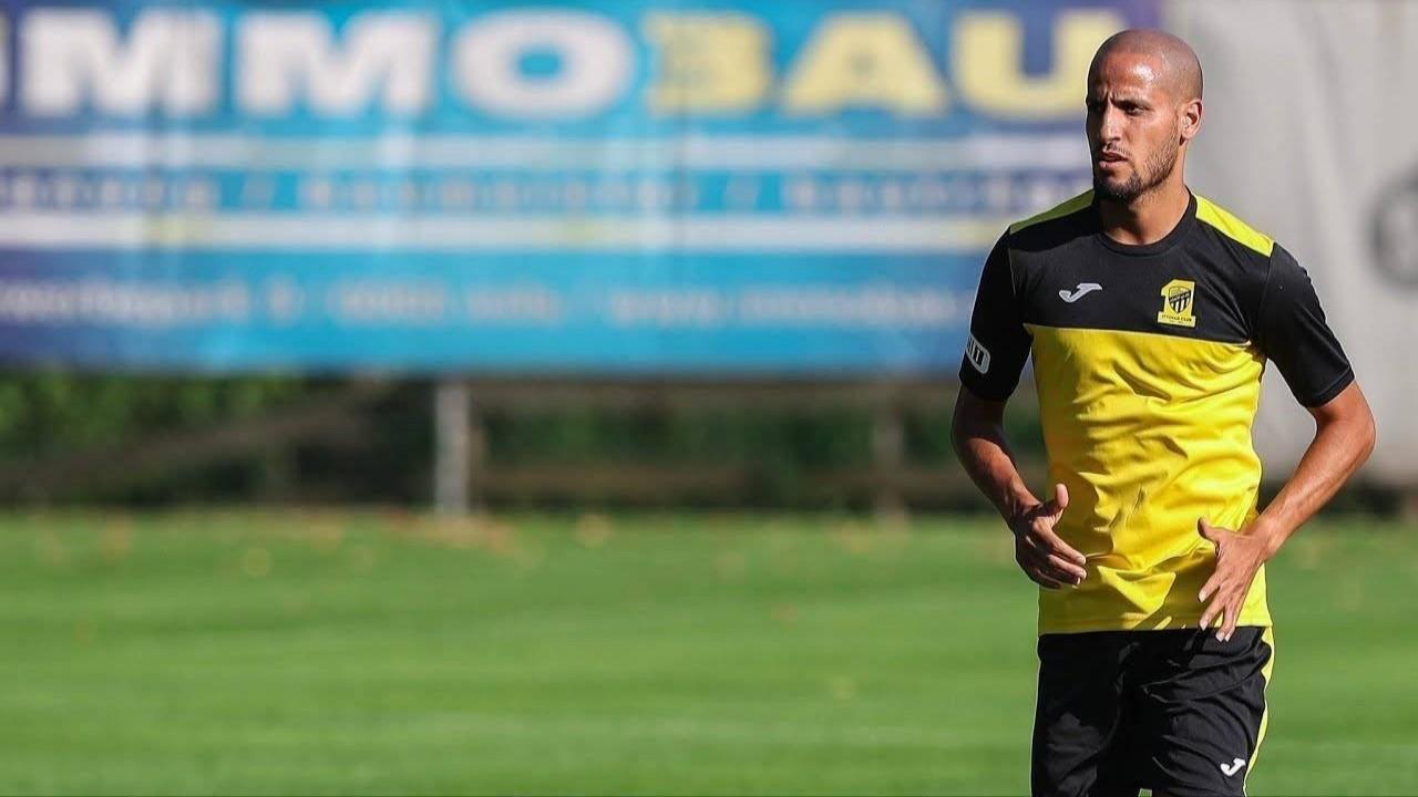 الاتحاد يتجه لتجديد عقد كريم الأحمدي