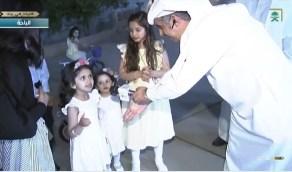 بالفيديو..تصرف مفاجئ من طفلة بعدما مد مذيع يده لمصافحتها