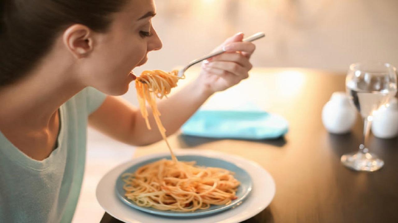 5 خطوات لتجنب الإحباط وزيادة الوزن أثناء العزل المنزلي
