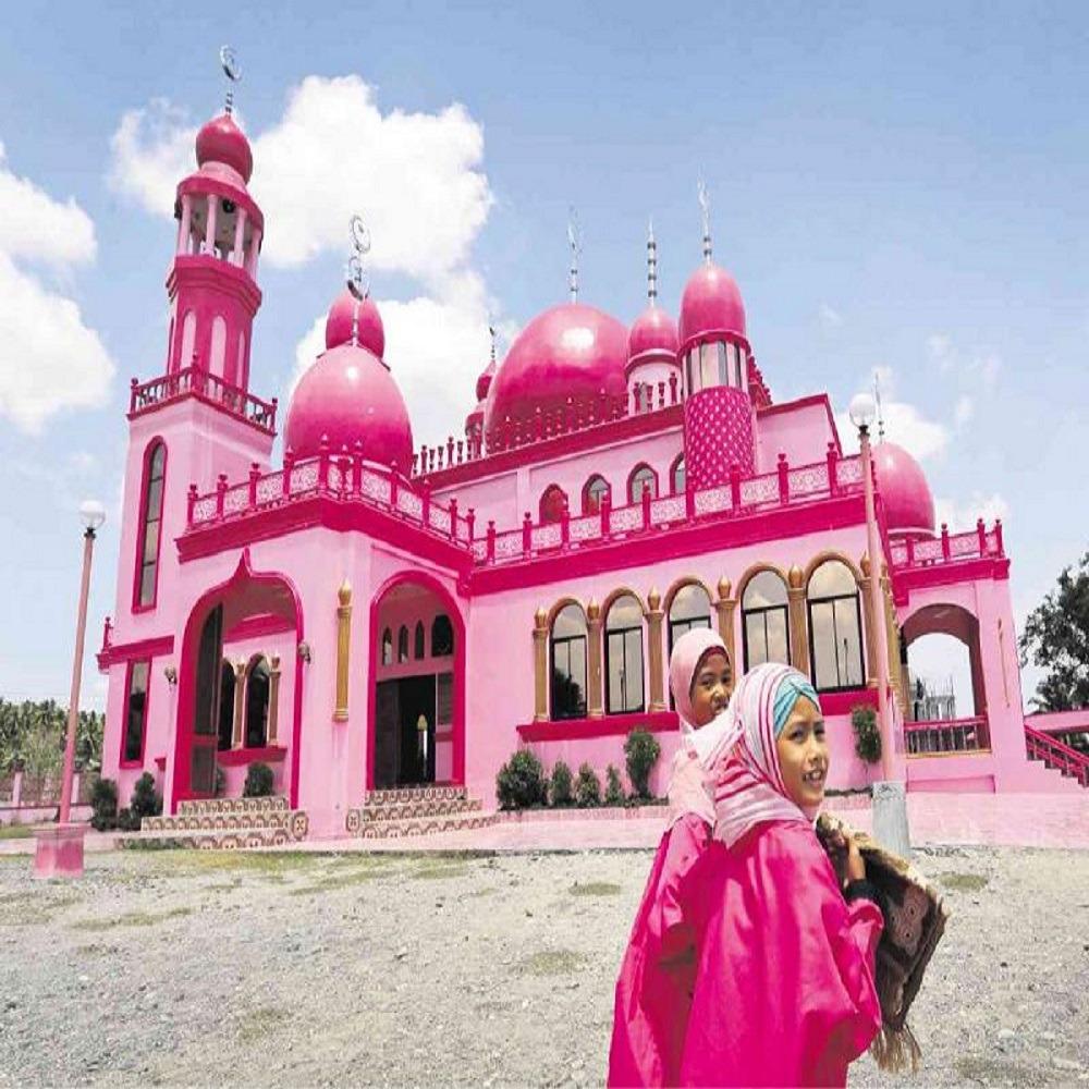 """زيارة المسجد الوردي """"ديماوكوم"""" أشهر طقوس الفلبين لاستقبال رمضان"""