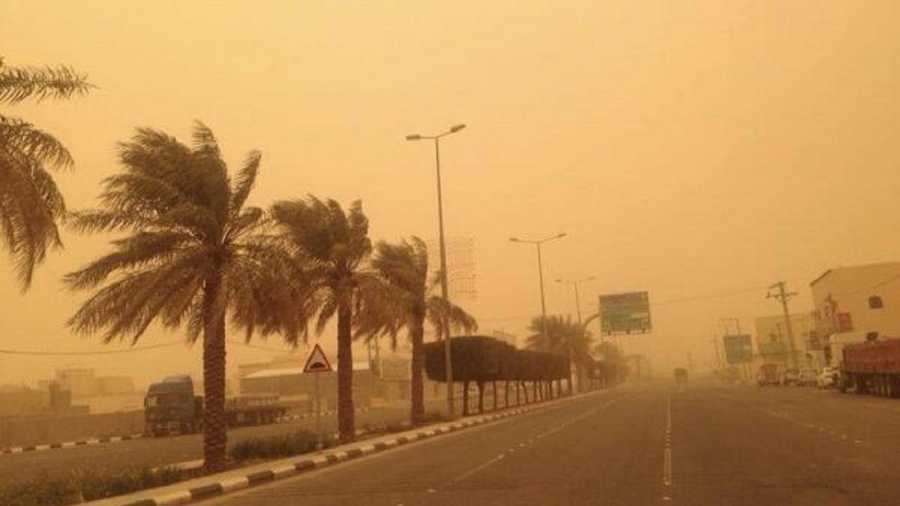 رياح نشطة وأتربة مثارة على عدد من محافظات مكة المكرمة