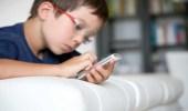 مواطن يحول أبنائه إلى مؤلفين صغار بعد تحجيم استعمالهم للهواتف