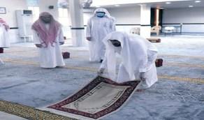 بالفيديو..تعليق وزير الشؤون الإسلامية على تغيير سجاد جامع رغم حالته الجيدة