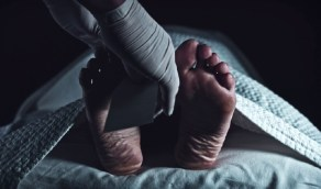 امرأة تخفي جثة جدتها في الثلاجة 16 عاما لسبب صادم