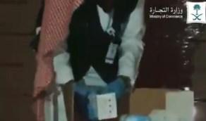 بالفيديو.. ضبط شاحنتين تبيعان الكمامات وحجز نحو 2 مليون كمامة