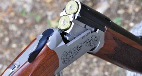مواطن ينهي حياته بإطلاق النار على نفسه ببندقية صيد