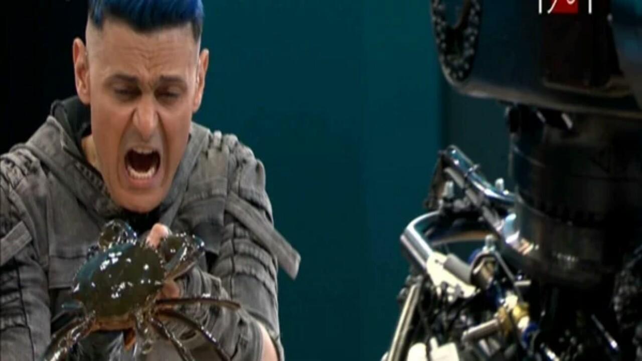 رامز جلال يكشف تفاصيل مذهلة عن تانك المقلب تحت استوديو (فيديو)