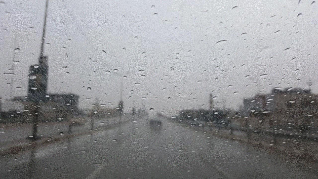 هطول أمطار على محافظة الكامل
