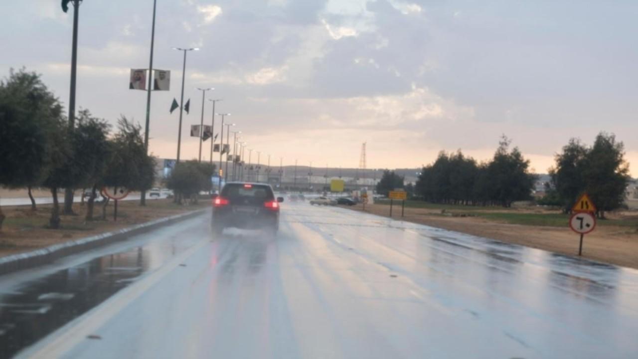 هطول أمطار رعدية ورياح نشطة على حائل