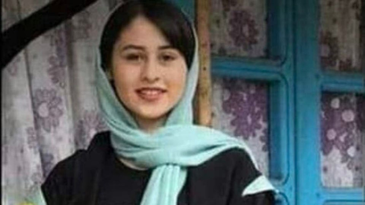 الفتاة الإيرانية تشعل الغضب الإيراني والدولي بعدما قطع أباها رأسها بالمنجل
