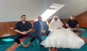 المصارع ويليام أوت يُعيد حفل زفافه بالطريقة الإسلامية