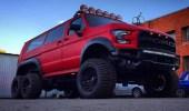 تحول فورد E-Series إلى شاحنة رابتورباص 6 ×6