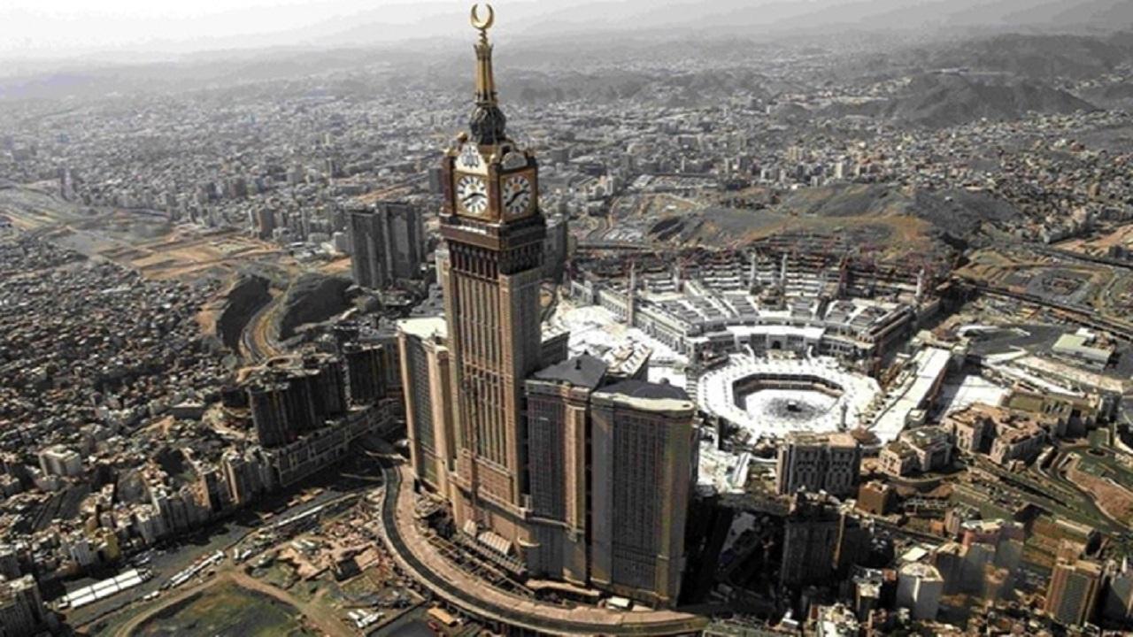 رصد مطعم مشهور غير ملتزم بالتعليمات الوقائية في مكة المكرمة