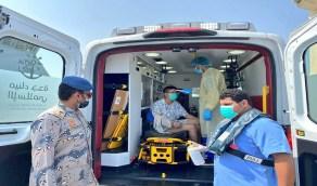 بالصور.. حرس الحدود يخلي بحار صيني بعد تعرضه لكسر بكفه
