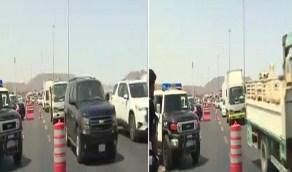 بالفيديو.. زحام مروري على طريق الهجرة