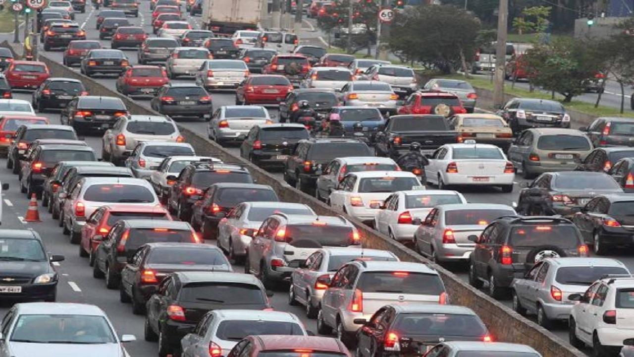 أخطاء قائدي السيارات التي تُسبب الازدحام المروري