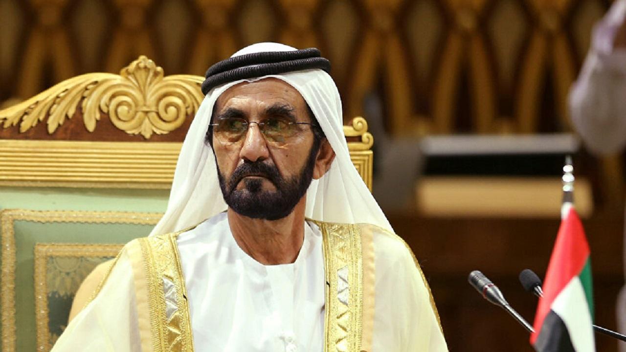 حاكم دبي يحتفي بتخرج طالبة متفوقة