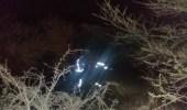مدني أبها يباشر بلاغاً لإجتراف السيول لمركبة بها أشخاص بوادي باغش