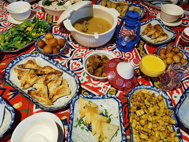 الأكلات الشعبية في جدة تسجل حضورها برمضان