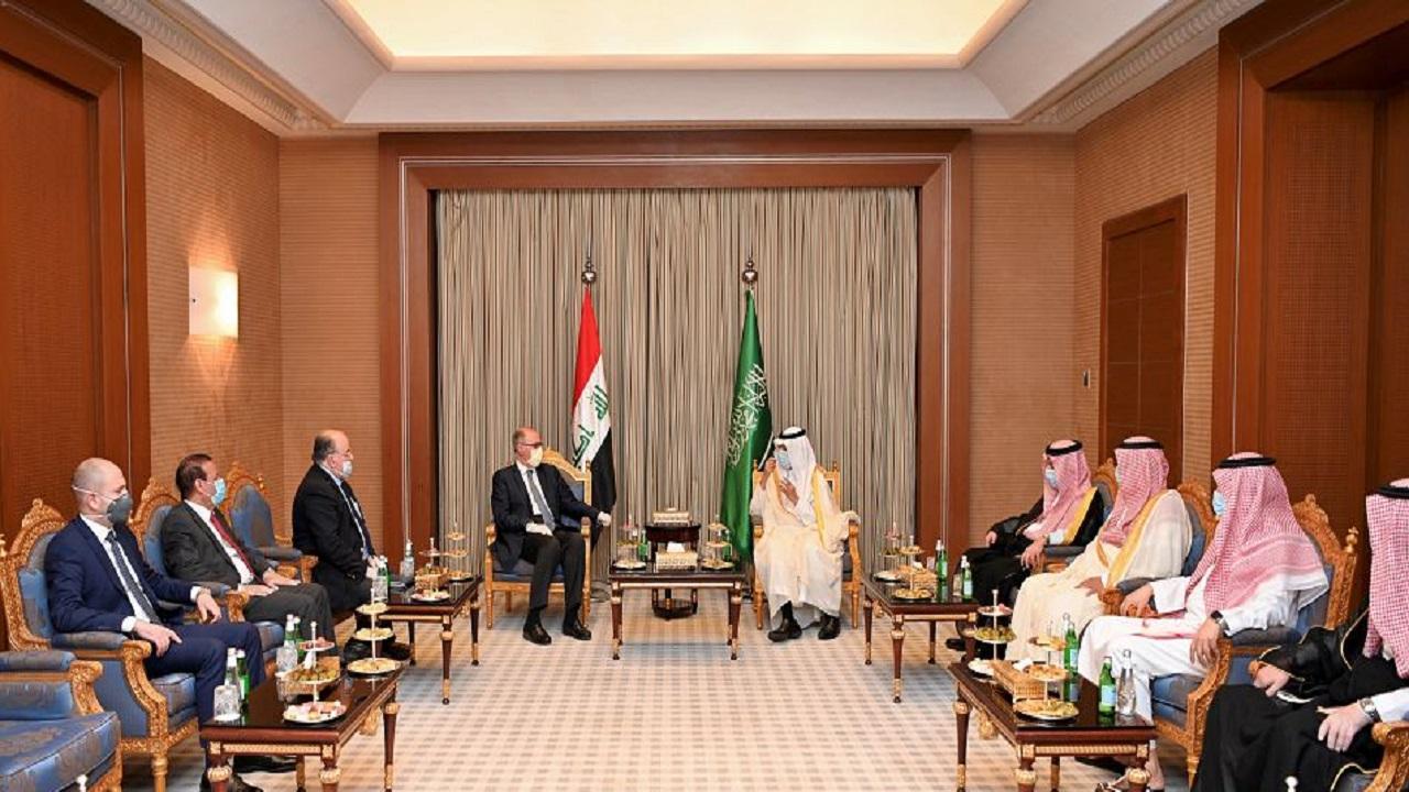 بالصور.. نائب رئيس مجلس الوزراء العراقي ووزراء يبحثون العلاقات الأخوية مع المملكة