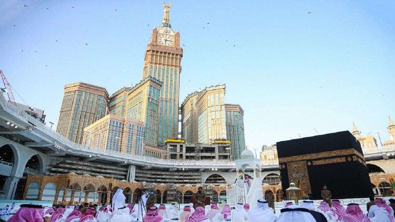 بالفيديو والصور.. إقامة صلاة عيد الفطر في المسجد الحرام والمسجد النبوي