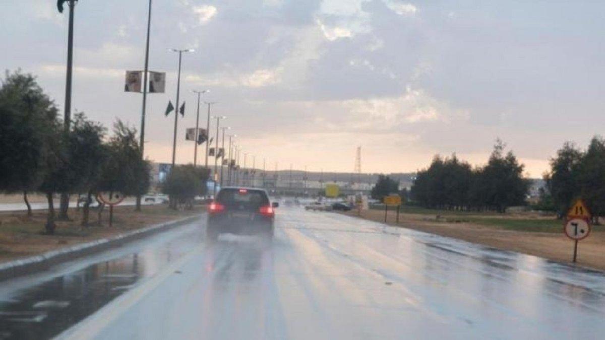 مدني جازان يحذر من التقلبات الجوية ويدعو لاتخاذ الحيطة والحذر