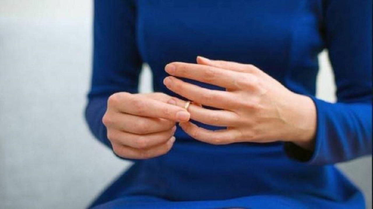 فتاة تطلب الطلاق بعد يوم من زفافها: «زوجي مدمن أفلام إباحية»
