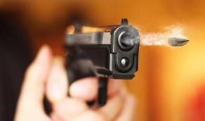 امرأة تطلق الرصاص على طليقها ثم تقود سيارته وتسلم نفسها للشرطة