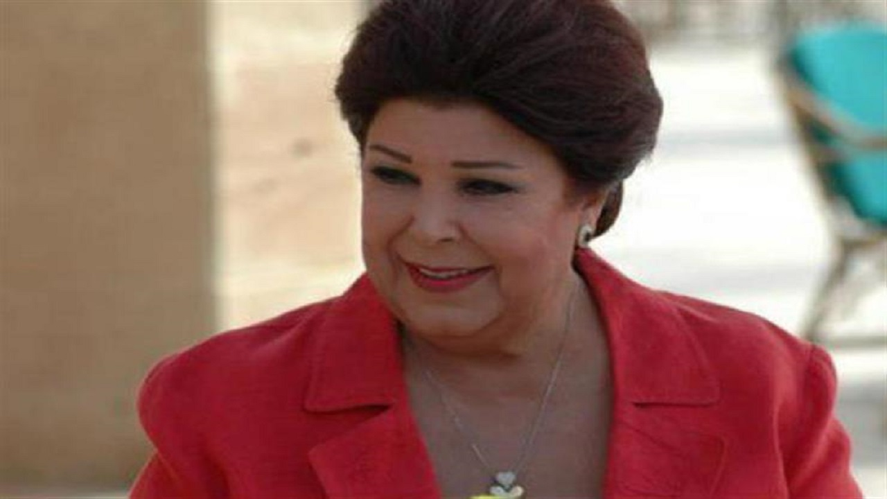 الفنانة رجاء الجداوي إلى مستشفى العزل بعد إصابتها بالفيروس