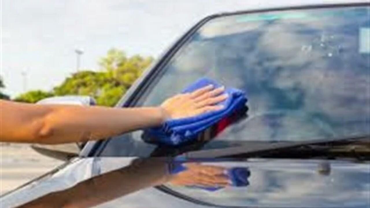 طريقة إزالة خدوش زجاج السيارة