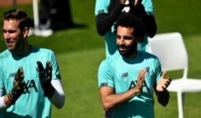 بالصور.. احتفال محمد صلاح بعيد ميلاد جيراردالـ 40