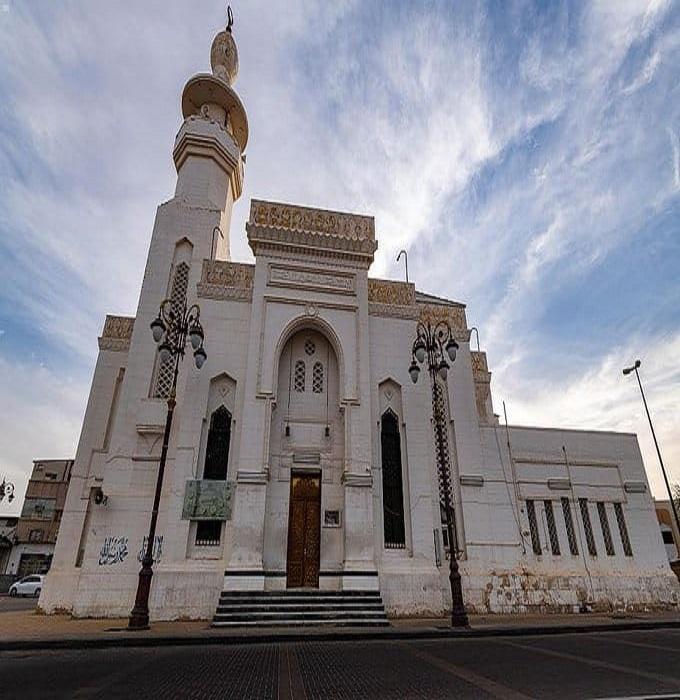 مسجد التوبة بتبوك الذي صلّى في موقعه النبي 10 ليالٍ
