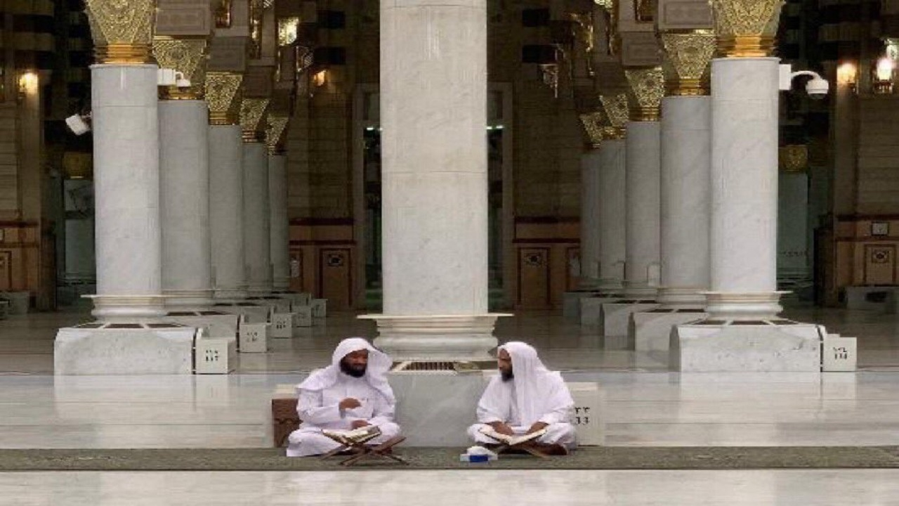 الشيخان البعيجان وأحمد بن طالب في الحصوة بالحرم النبوي