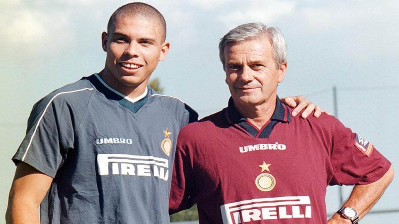 وفاة سيموني نجم كرة القدم الإيطالي