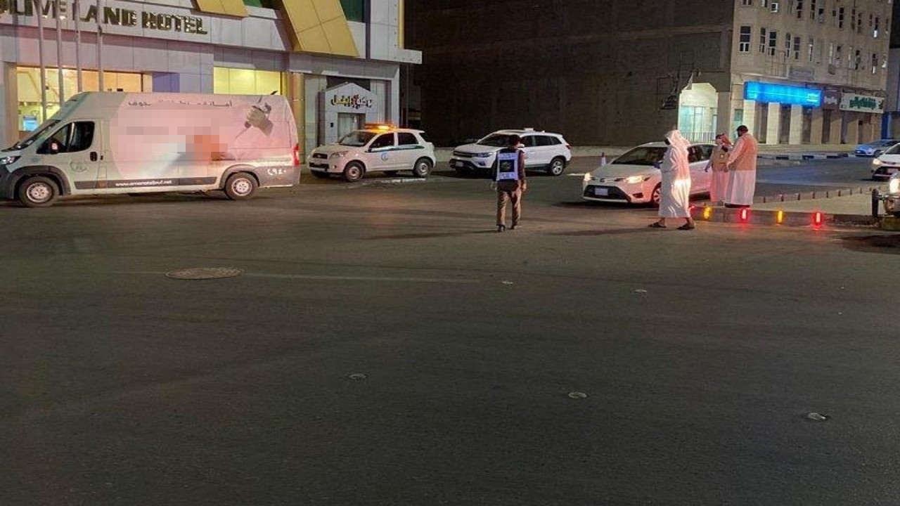 بالصور.. 200 مخالفة و600 إنذار لقائدي مركبات التوصيل في الجوف