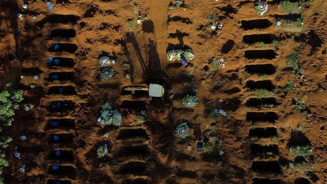 صور كارثية لصفوف من المقابر المفتوحة لضحايا الفيروس في البرازيل