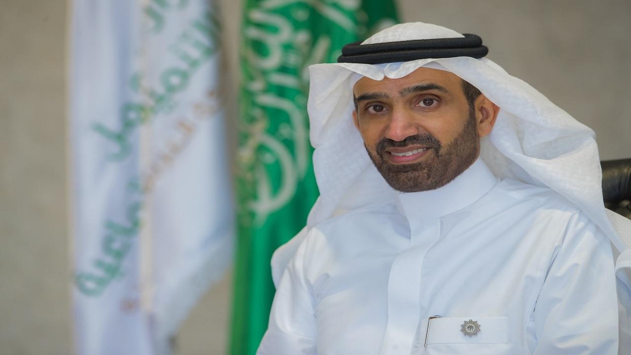 وزير الموارد البشرية يعلق على اعتماد التصنيف السعودي الموحد للمهن ويكشف مزاياه