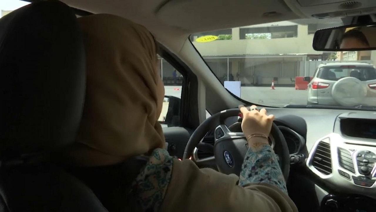 «المرور» توضح مدى إمكانية صدور تصريح قيادة للفتيات في عمر 17 سنة