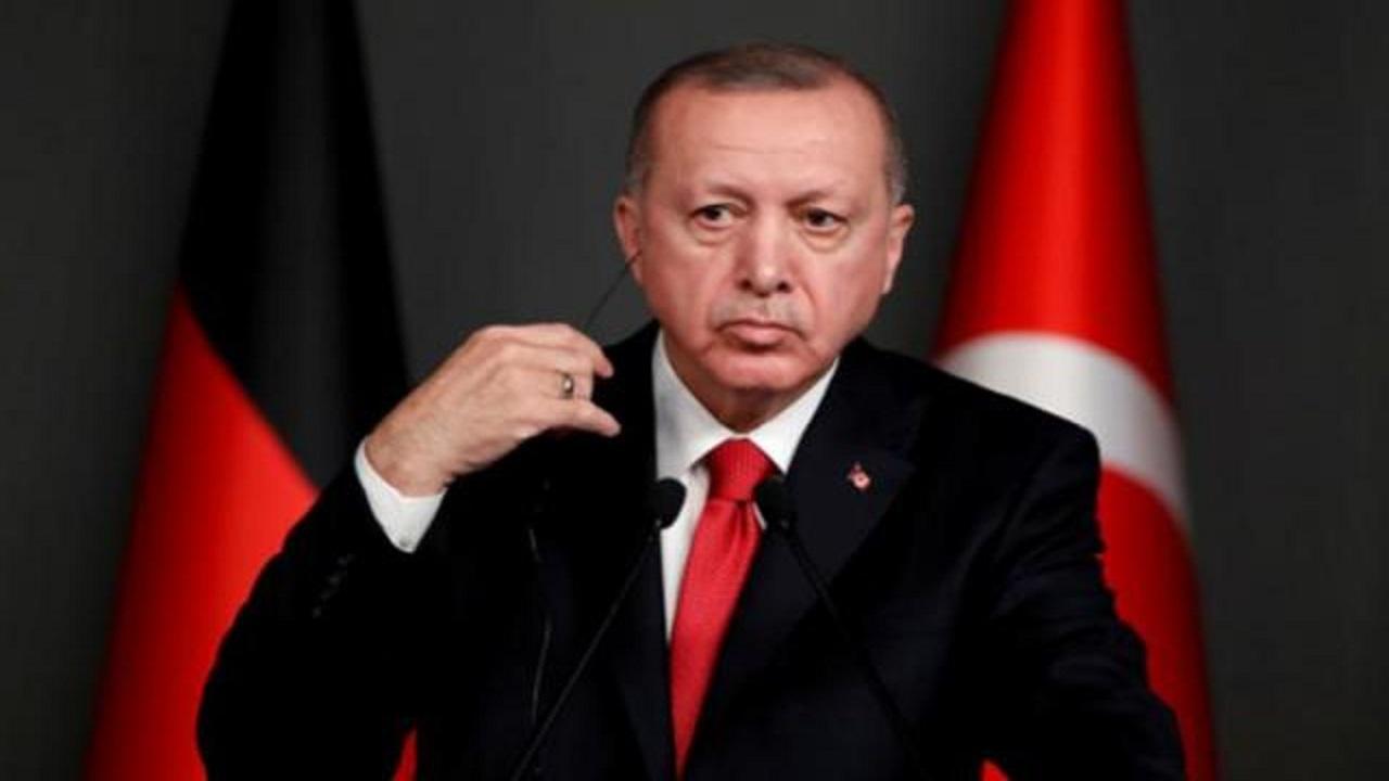 "بالفيديو.. موقف محرج لـ ""أردوغان"" أثناء بث لقاء مباشر مع شباب تركيا"