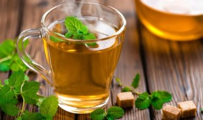 الشاي الأخضر يحارب الشيخوخة وعلامات التقدم في السن