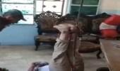 شاهد.. قيادي تركماني تابع لتركيا يُعذب مواطن كردي بوحشية في سوريا