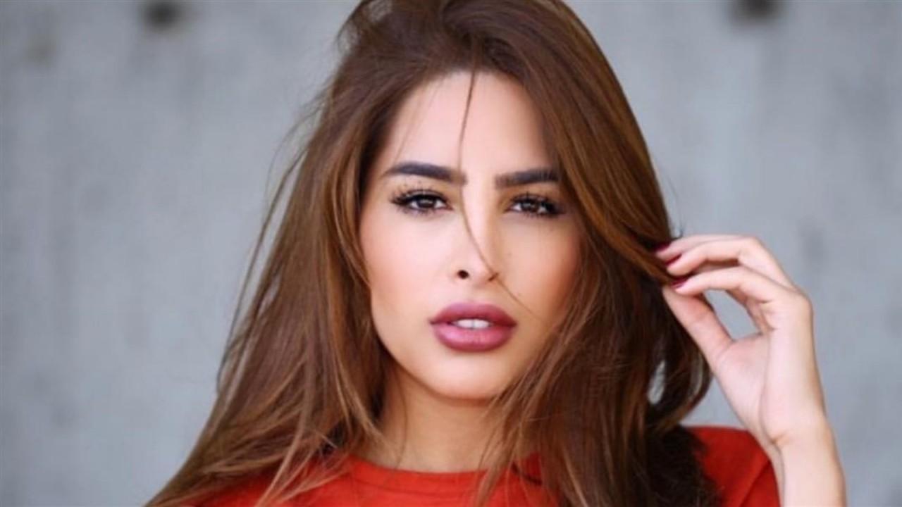 فوز الفهد تتدخل لإفساد عرض زواج بشبيهتها