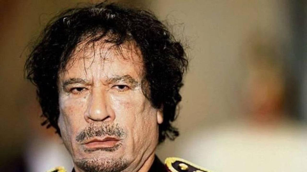 بالفيديو.. تسريب جديد يكشف تآمر القذافي مع اولاد عبد الله الأحمر في اليمن ضد المملكه